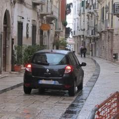 Via Zanardelli aperta alle auto