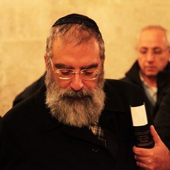 Si accendono le luci di Chanukkà alla Sinagoga Scolanova di Trani