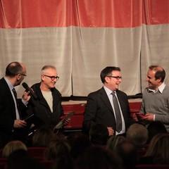 Decennale Teatro Trani, consegna dei riconoscimenti a Traniweb, Oer e Dinardo Acconciature
