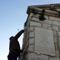 Ripulito l'epitaffio della Disfida (foto di F. Porcelli)