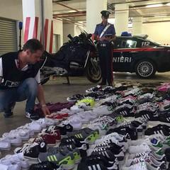 Carabinieri anticontraffazione al mercato