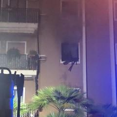 Incendio in un appartamento di via Amendola