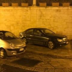 Parcheggi selvaggi in via Prologo