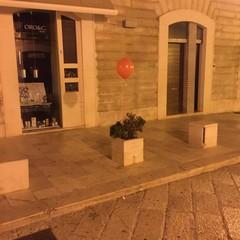 Palloncini rossi a Trani