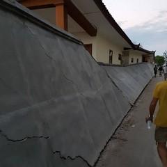 Un edificio distrutto a Gili Trawangan