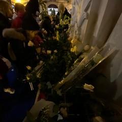 Omaggio floreale alla Madonna dell'Immacolata