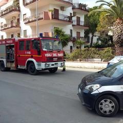 Domenica di fuoco: fiamme in un appartamento di via Gisotti