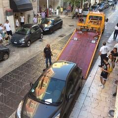 rimozione auto in via Mario Pagano