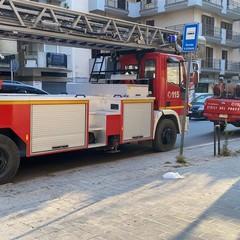 Via Malcangi, vigili del fuoco
