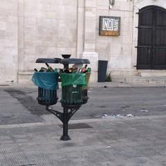 Rifiuti sul Porto
