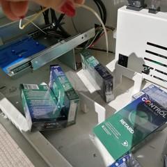 Distributore preservativi svaligiato