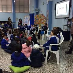 Dacia Maraini dialoga con gli studenti della Petronelli