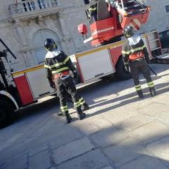 Vigili del fuoco al tribunale di Trani