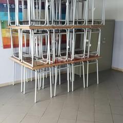 Banchi nuovi nelle scuole