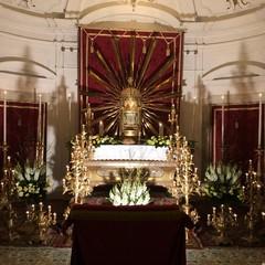 Altari della reposizione nelle chiese di Trani