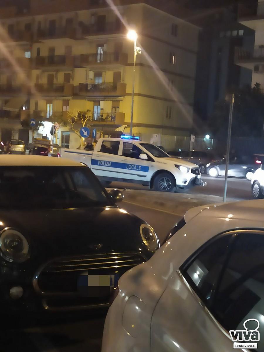 Polizia locale in via Falcone