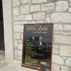 Elton John a Trani: ultimi preparativi in vista del concerto