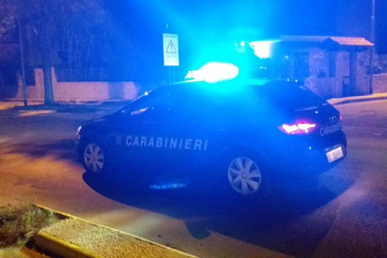 Tentato furto di auto in piazza Cezza, carabinieri