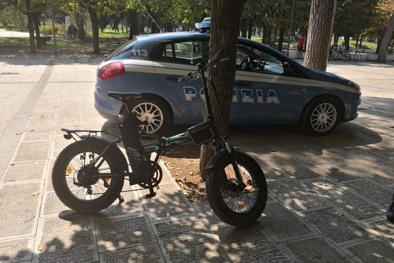 Multe biciclette elettriche