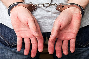 Arresto, uomo in manette