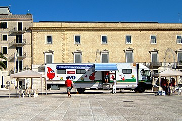 Autoemoteca Avis in piazza Quercia