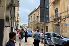 Minaccia di lanciarsi dal balcone della sua abitazione, tensione in via Giovanni Bovio