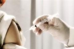 Bambino non vaccinato, la mamma: «Siamo per il vaccino ma mio figlio non può riceverlo»