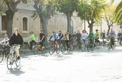 """""""Biciclettiamoci"""", l'associazione Libera Idee tra salute e polemiche"""