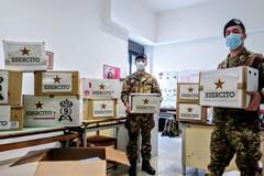 """Solidarietà alla Madonna di Fatima, i militari della """"Lolli Ghetti"""" donano pacchi di alimenti"""