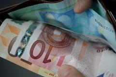 Via Bovio: restituito un portafogli smarrito  con soldi e documenti