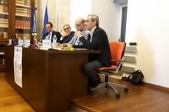 La vittima e la giustizia, il magistrato-scrittore Caringella incontra avvocati e giornalisti