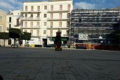 In piazza Longobardi il Natale non arriva: niente luci e decorazioni