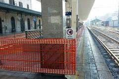Innalzamento marciapiedi e abbattimento barriere, lavori al via in stazione