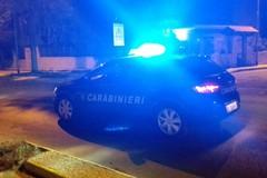 Tentato furto di auto in piazza Cezza, i ladri messi in fuga dai carabinieri