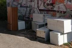 Frigoriferi abbandonati in zona Sant'Angelo, nuovo intervento straordinario dell'Amiu