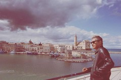 Ligabue a Trani, fan in delirio per il rocker di Correggio