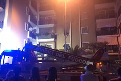 Fiamme in via Amendola: a fuoco un appartamento