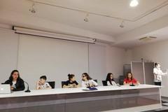 """""""A che pensi?"""": pensieri in libertà nella scuola Rocca-Bovio-Palumbo di Trani"""