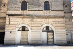Casa di riposo Vittorio Emanuele, via gli abusivi e murati gli ingressi