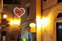 San Valentino a Trani: tornano le luminarie degli innamorati