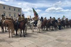 """Cavalieri di tutta Italia a Trani per il raduno nazionale """"Natura a cavallo"""""""