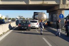 Secondo incidente del giorno sulla 16bis, tre i mezzi coinvolti
