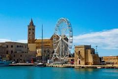 Festival dell'arte pirotecnica, sul Porto di Trani torna la grande ruota panoramica