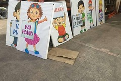 Alta velocità in via Martiri di Palermo, spuntano i cartelloni per invitare gli automobilisti a rallentare