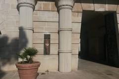 Un dipinto su pietra arricchisce  il cimitero di Trani