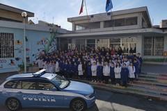 I giovani studenti incontrano la Polizia di Stato per promuovere la cultura della legalità
