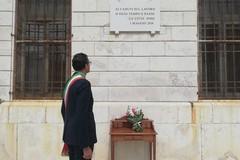 Primo Maggio a Trani nel ricordo dei lavoratori morti per il Coronavirus