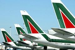 Alitalia lascia a terra una mamma di Trani e i suoi due bambini