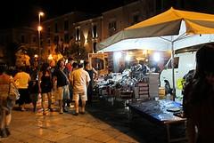 Porto di Trani, bazar e mega rissa