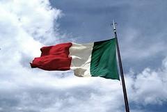 Scuole di Trani, domani consegna delle nuove bandiere italiana ed europea
